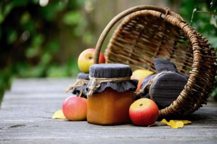 Эксперт рассказала, можно ли употреблять подгнившие яблоки
