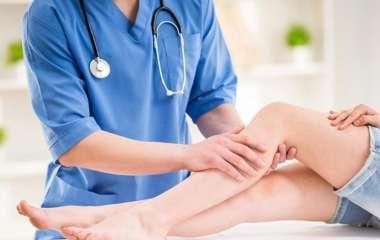 Кардиолог объяснил, чем смертельно опасны «сеточки» и «звездочки» на ногах