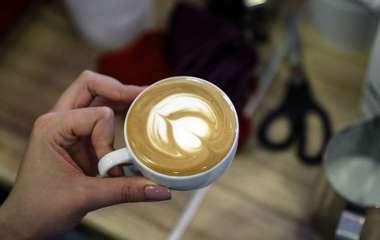 Врач предупредил об опасности утреннего кофе