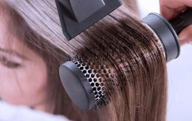 5 ошибок, которые мы совершает, укладывая волосы феном