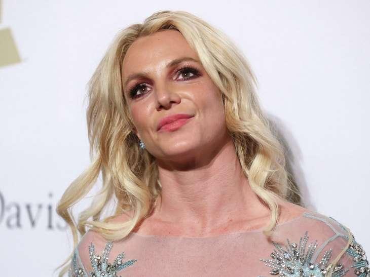 Певица Бритни Спирс не будет выступать, пока находится под опекой отца