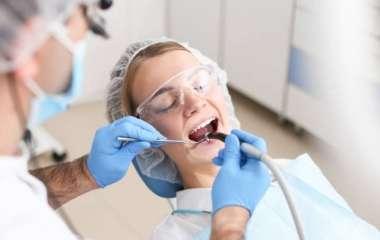 Стоматолог объяснил, как часто нужно менять пломбы