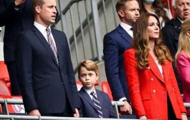 «Поплачь в свой галстук!»: 7-летнего сына принца Уильяма обвинили в слабохарактерности