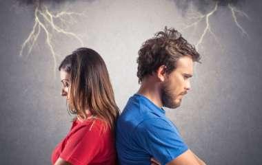 5 вещей, которые нельзя обсуждать с посторонними во время разговоров о личной жизни