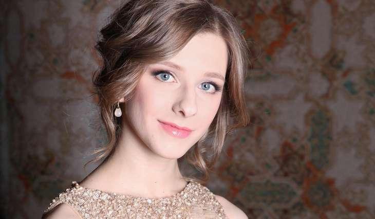 А как же Авербух?: появились интимные фото Арзамасовой в объятиях известного актера