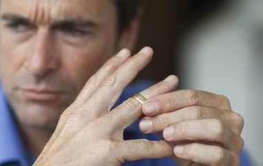 4 пункта, которые стоит выяснить до начала отношений с разведенным мужчиной