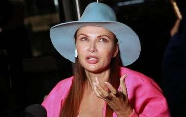 «Ветром надует?»: Бледанс примерила образ Монро в «улетающем» платье