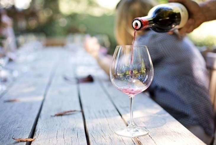 Японские ученые считают, что вино помогает пожилым людям поддерживать мозг в «тонусе»