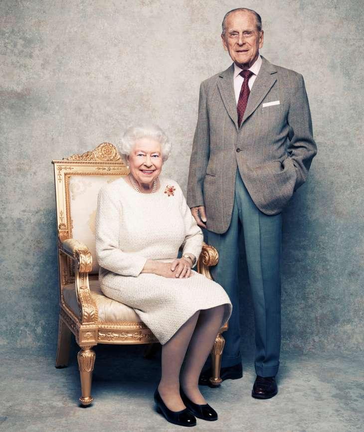 Редкое фото принца Филиппа и королевы Елизаветы II шокировало публику
