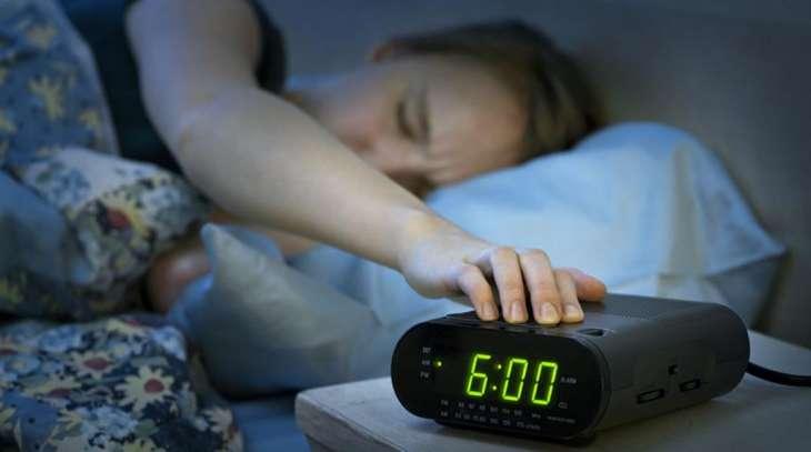 Сомнолог дал совет правильного пробуждения без вреда для мозга