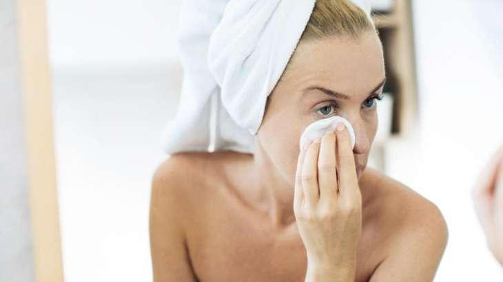 Эксперт рассказала о старящих кожу лица привычках