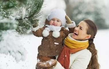 Секреты идеальных мам: чем занять ребенка во время зимней прогулки