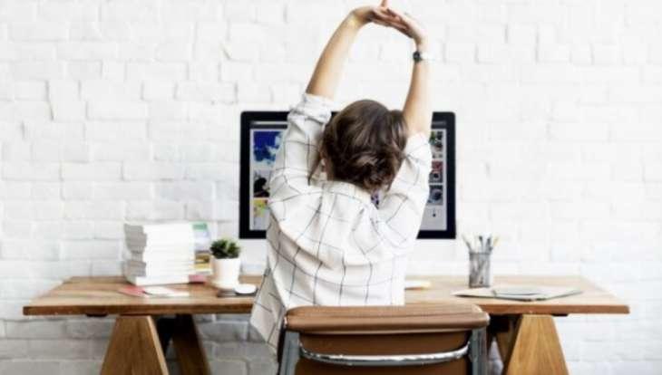 Как избежать болей в спине, работая на удаленке: пять простых советов