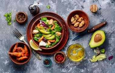 5 видов салатов, которые нельзя назвать диетическими