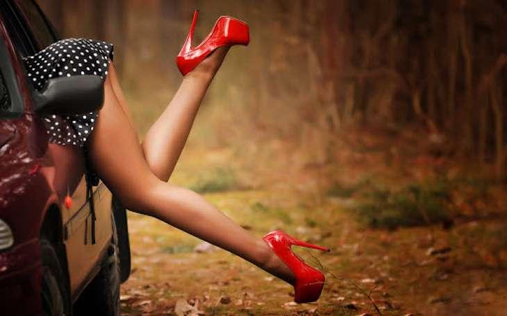 Красивые ножки - визитка девушки