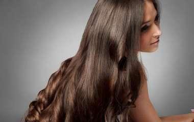 Как подобрать термозащиту для волос: гид по смываемому и несмываемому уходу