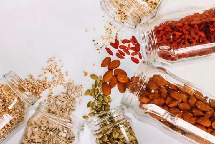 Ученые предложили добавлять в еду младенцев продукты из цельного зерна