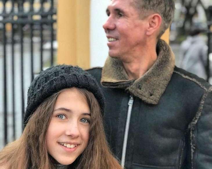 Дочь Алексея Панина возобновила общение с матерью