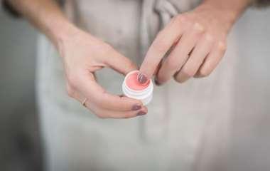 Фирменные косметические препараты для ухода за кожными покровами