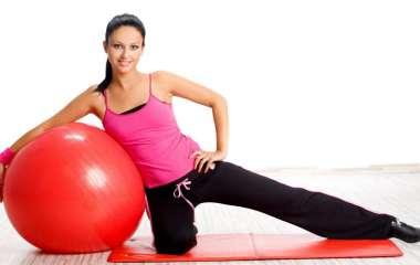 Омолаживающий фитнес: 5 простых упражнений, которые продлевают молодость