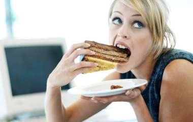 Не всегда полезно: 5 перекусов, от которых мы поправляемся