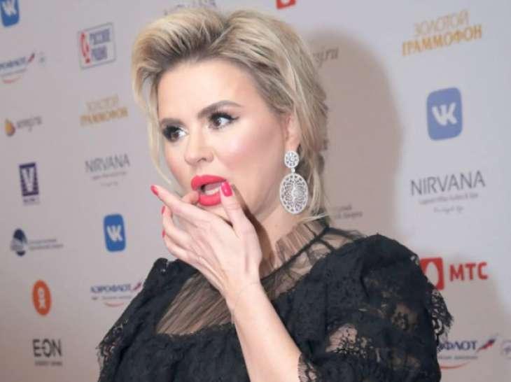 «Женишься на мне?»: Анна Семенович избила ухажера за отказ от свадьбы