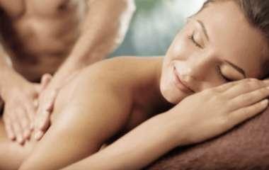 Что нужно знать, чтобы правильно сделать чувственный эротический массаж женщине?