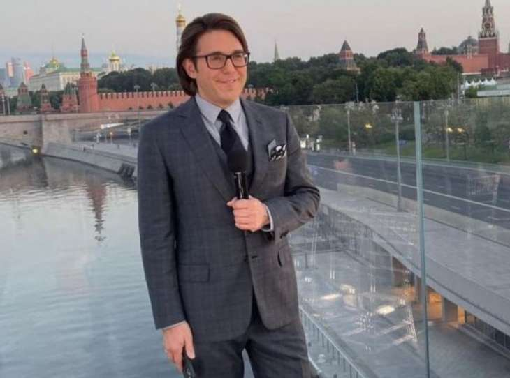 Полуобнаженный Андрей Малахов впечатлил Ольгу Бузову