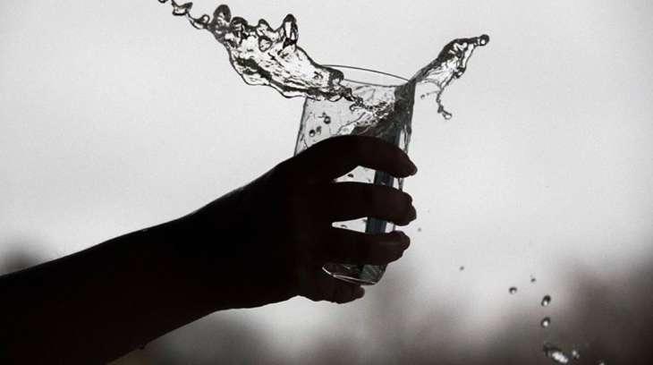 Диетолог объяснил пользу воды комнатной температуры