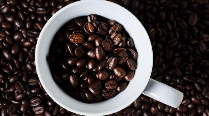Медики рассказали, кому нельзя пить много кофе