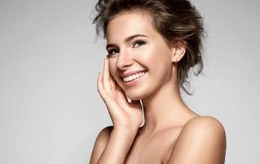 Как замаскировать следы усталости с помощью макияжа?