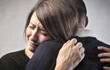 Почему люди плачут: 3 основные причины