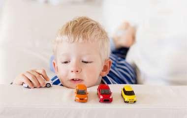 9 детских вещей, которые необоснованно ударяют по семейному бюджету