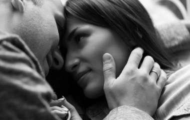 7 не всегда заметных действий мужчины, которые выдают его любовь