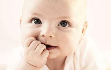 Заеды в уголках рта у ребенка