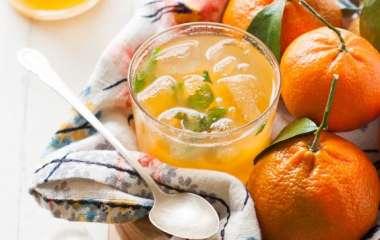 Идеи новогодних коктейлей с мандаринами от ALCOMAG