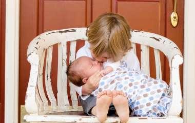 Как подготовить старшего ребенка к появлению брата или сестры