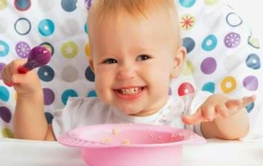 Как ребенка кормить после года?
