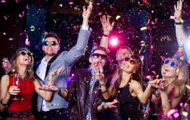 Правила новогоднего корпоратива: о чем нужно помнить во время празднований с коллегами