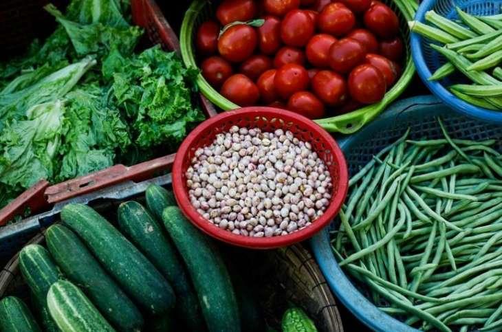 Врачи назвали продукты которые помогут восстановить силы в жару