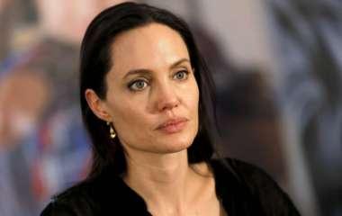 Анджелину Джоли заподозрили в серьезном заболевании после развода с Брэдом Питтом