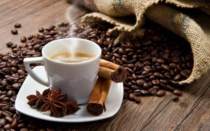 Какие напитки можно и категорически нельзя пить утром