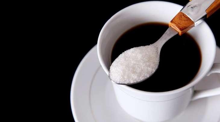 Диетолог дала советы по употреблению молока, кофе и сахара