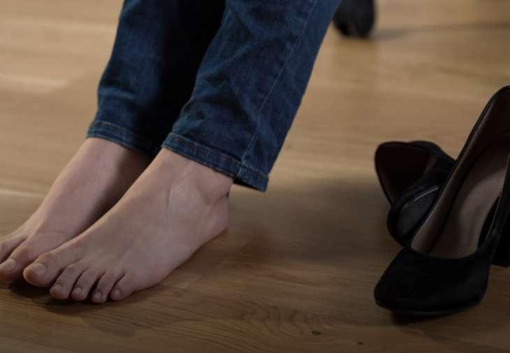 Отек ног: как эффективно решить эту проблему