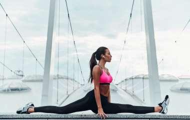 7 простых упражнений, которые помогут вам добиться идеальной растяжки