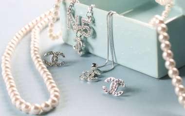 Драгоценности или бижутерия: что выбрать на свадьбу?