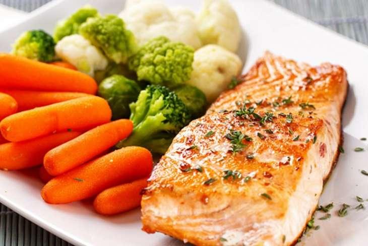 Ученые рассказали о пользе овощей и рыбы для сердца
