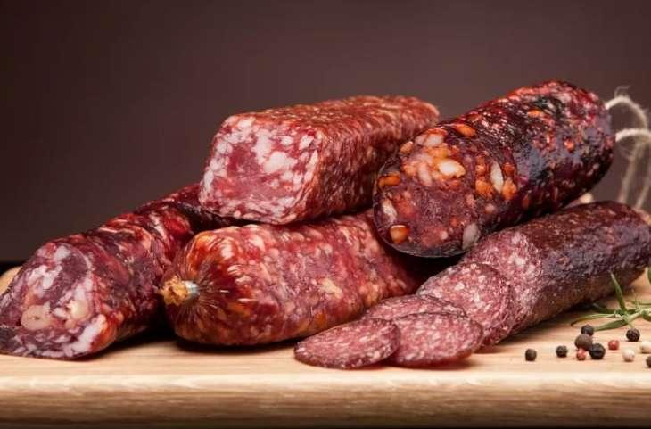 Диетолог рассказал о безопасной порции колбасы