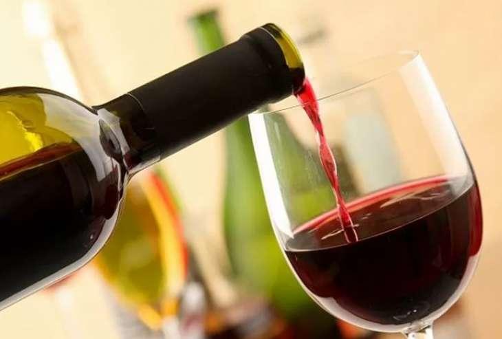 Ученые сообщили о способности алкоголя продлевать жизнь