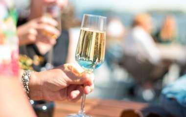 Ученые рассказали о вредной для мозга дозе алкоголя
